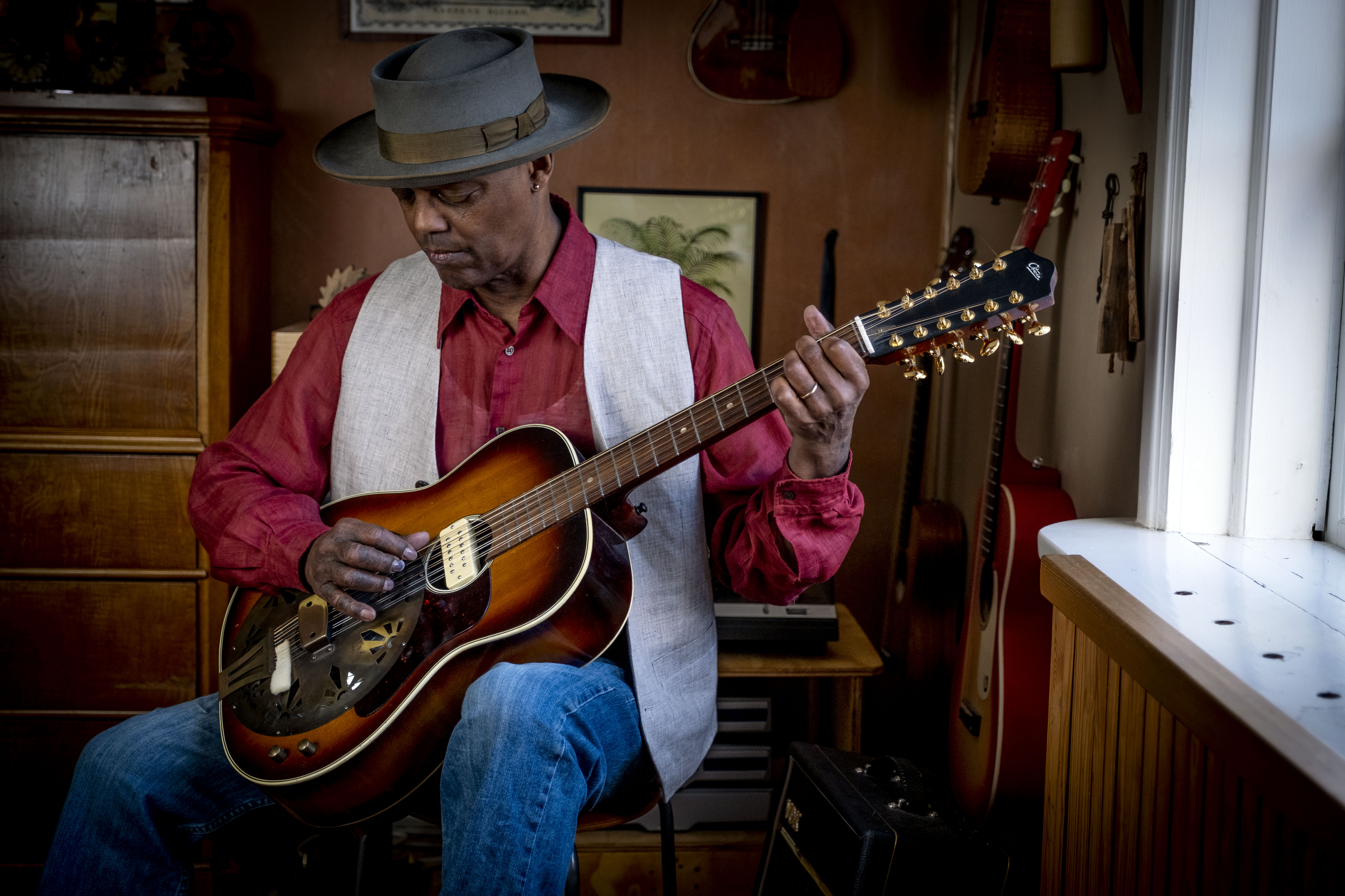 Blues at the Crossroads Podcast: Episode 3 – Eric Bibb in Conversation